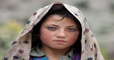 Girl from North of Pakistan with beautiful eyes. (by Yury Pustovoy)
