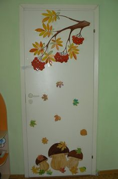 Fensterdeko Herbst Grundschule 2019 Fall window decoration primary school 2019 Fall window decoration primary school, models for children, model, models Fall Window Decorations, Decoration Creche, School Decorations, Fall Decor, Autumn Crafts, Fall Crafts For Kids, Autumn Art, Diy And Crafts, Paper Crafts