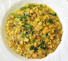 la zuppa di verza, cicerchie e alga kombu è un ottimo piatto per la dieta del gruppo sanguigno. Va bene per tutti i gruppi. Chana Masala, Risotto, Ethnic Recipes, Food, Seaweed, Diets, Essen, Yemek, Meals