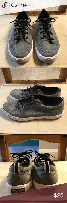 """Sperry Top Sider Shoes Sperry Top sider """"Deckfin"""" shoes. Memory foam sole for extra comfort! These are youth shoe size 5. I wear a women's 7-7.5 and these fit me. They are used, but super clean and no odors. Only stains/scuffs are on the bottoms of the shoes! Otherwise in great condition! Sperry Top-Sider Shoes Sneakers"""
