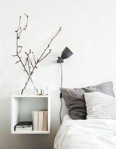 Adorable 77 Minimalist DIY Bedroom Decorating Ideas https://roomaholic.com/3170/77-minimalist-diy-bedroom-decorating-ideas