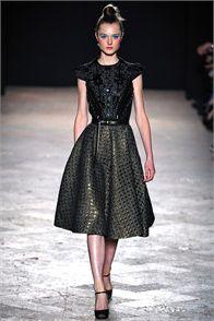 Sfilata Aquilano.Rimondi Milano - Collezioni Autunno Inverno 2013-14 - Vogue