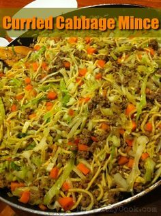 Curried Cabbage Mince - The Klutzy Cook - food - Meat Recipes Easy Mince Recipes, Minced Beef Recipes, Minced Meat Recipe, Curry Recipes, Meat Recipes, Asian Recipes, Chicken Recipes, Dinner Recipes, Cooking Recipes