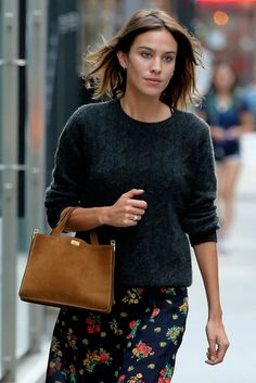 Alexa Chung's Tousled Bob and Natural Makeup - Vogue