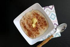 Hei! Har du prøvd fløyelsmjuk havregrøt før? Denne delte eg oppskrift på for 2 år siden her, og mange fikk seg en ny favoritt. Dette er altså havregrøt kokt på havremel framfor havregryn, som gir en fløyelsmjuk, klumpfri konsistens (minner nesten litt om semulegrynsgrøt!). Næringsinnholdet er akkurat det samme, men smaken er ny. Kanskje dette … Norwegian Food, Norwegian Recipes, Bagel, Doughnut, Food And Drink, Low Carb, Healthy Recipes, Healthy Food, Bread