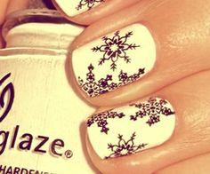 M a k è U p / DIY: glitter nails in pastell colors | We Heart It