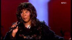 Donna Summer - Bad Girls / Hot Stuff + Speech (Nobel Peace Prize Concert...