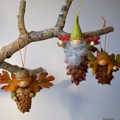 20 DIY Pinecone Craft Projects For Christmas Decoration: A round up of Pinecone Crafts to Dress Up Home Decoration during Holiday Season. Autumn Crafts, Nature Crafts, Christmas Projects, Holiday Crafts, Christmas Crafts, Father Christmas, Pinecone Ornaments, Christmas Tree Ornaments, Christmas Decorations