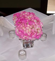 Google Image Result for http://www.uniquefloralexpressions.com/images/galleries/centerpieces/000_0309.jpg