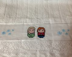 Toalha De Banho Elsa e Anna (Frozen)