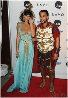 John Legend and Wife as Cleopatra and Ceasar. Heidi Klum's Annual Halloween Party Celeb arrivals In NYC. Hallowen Costume, Couple Halloween Costumes, Halloween Cosplay, Halloween Outfits, Diy Costumes, Diy Halloween, Happy Halloween, Cleopatra Halloween, Cleopatra Costume
