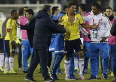 Bacca's jersey ripped .... 2 red cards were given? Neymar and Bacca were painted red 17.6.15