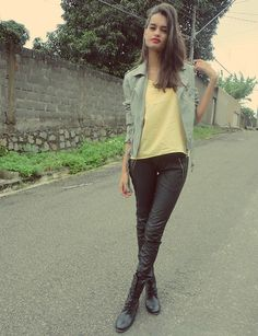Leather in the cold (by Gizele Oliveira) http://lookbook.nu/look/3482177-leather-in-the-cold