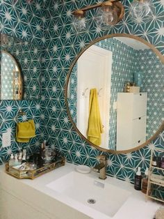 Bathroom Makeover with Mirth Studio's Removable Starburst Peel & Stick Wallcovering