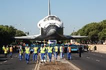 Driving the Space Shuttle: How a team of experts navigated a spaceship through the streets of L.A.