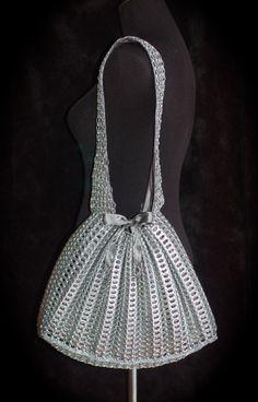 Silver+Upcycled+Aluminum+Pull+Tab+Purse+Moxie+van+06sense+op+Etsy,+$550.00