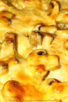 Pulpe dezosate la cuptor cu ciupercute si cascaval Instant Pot Dinner Recipes, Easy Dinner Recipes, Easy Meals, Good Food, Yummy Food, Tasty, Romanian Food, Cooking Recipes, Healthy Recipes