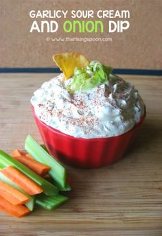 Homemade sour cream & onion dip that's full of flavor, only takes minutes to make, and has no artificial or processed ingredients! This recipe is perfect for serving at get-togethers with friends and family. Dip Recipes, Whole Food Recipes, Snack Recipes, Cooking Recipes, Healthy Recipes, Snacks, Summer Recipes, Easy Recipes, Vegetarian Recipes