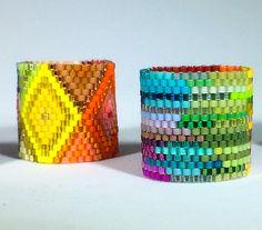 Haz brillar tus colores!!! EnKanta Rings - Miyuki hand knitted - Handcrafted. People in Miami Contact us by Instagram Direct and let us charm your senses!!! @enkantajewels - EnKanta Anillos en miyuki tejido a mano. Estamos en Miami. Producto diseñado por Pilar Restrepo Joyeria. @enkantajewels Bead Loom Patterns, Peyote Patterns, Beading Patterns, Peyote Beading, Seed Bead Jewelry, Beaded Jewelry, Beaded Bracelets, Diy Beaded Rings, Loom Bracelets
