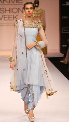 Wedding season means yummy food and an excuse to flaunt your desi clothes. With desi clothes I dont mean mean just anarkalis and lehengas . Lakme Fashion Week, India Fashion, Ethnic Fashion, Asian Fashion, Latest Fashion, Blue Fashion, Indian Attire, Indian Wear, Indian Suits