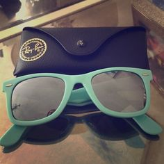 Ray-Ban Wayfarer Sunglasses TURQUOISE RAYBAN SUNGLASSES! Brand new. Never been worn. Comes with original case! Ray-Ban Accessories Sunglasses