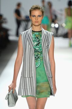 Nanette Lepore Packs Spring 2013 Show With Celebrities, Live Music And Obama Pins (PHOTOS)