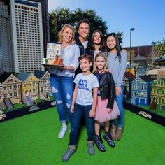 Fuller House - Jodie, Michael, Soni, Ashley, Elias - Lego