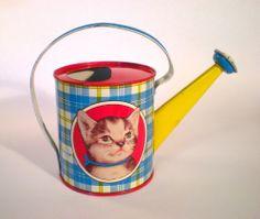 Vintage Ohio Art tin litho watering can. Atomic Kitten, 60s Art, Old Logo, Beach Toys, Milk Cans, Tin Toys, Metal Tins, Vintage Toys, Art For Kids
