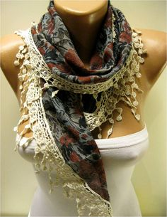 Elegant Triangular Scarf with Trim Edgegift shawl by MebaDesign Acute Accent, Leh, Scarf Styles, New Trends, Get Dressed, Scarfs, Belts, Shawl, Sewing Projects
