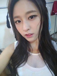 Seolhyun Kim Seolhyun, Kwon Mina, Fnc Entertainment, Celebs, Celebrities, Sexy Asian Girls, Sweet Girls, Korean Singer, Kpop Girls