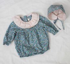Baby Paradise Flower Bonnet Set (2C)