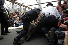 10/02/2011 - More than 700 arrested in Wall Street protest | Reuters