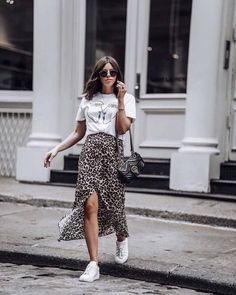 Leopard is the new black Graphic Tee Urban Outfitters Leopard Skirt Gucci Bag Greats Sneakers Nyc Fashion, Trendy Fashion, Girl Fashion, Autumn Fashion, Fashion Outfits, Fashion Vintage, Sneakers Fashion, Sneakers Style, Trendy Style