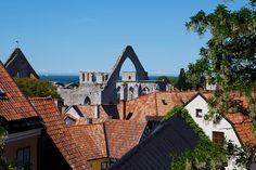 Ingen stad i Sverige är så mycket sommar som Visby på Gotland. Nature
