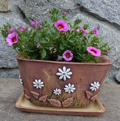 Ceramics Projects, Clay Projects, Flower Pots, Flowers, Air Dry Clay, Outdoor Art, Clay Pots, Garden Pots, Ceramic Art