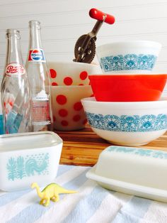 Vintage pyrex retro kitchen. I love all these patterns and the colors of these.