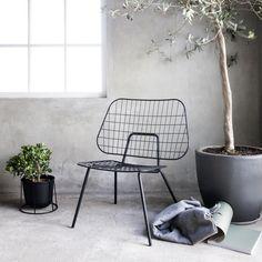 WM Wire lounge chair, black, by Menu.