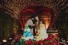 Bridal Poses, Bridal Photoshoot, Sikh Wedding, Wedding Pics, Wedding Cakes, Wedding Ideas, Wedding Reception Makeup, Sabyasachi Sarees, Engagement Dresses