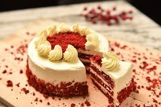 Homemade Red Velvet Cake, Eggless Red Velvet Cake, Best Red Velvet Cake, Red Velvet Birthday Cake, Birthday Cakes, Roasted Potato Recipes, Red Velvet Cheesecake, Cake Online, Cake Ingredients
