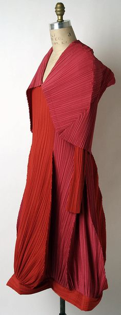 Issey Miyake 1990 Met Collection