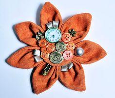 Bypure retro orange brooch