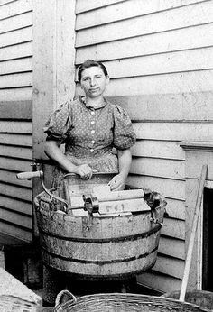 +~+~ Vintage Photograph ~+~+   Laundry day.