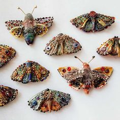 maart 2015 komt Irina Sergeeva in Leende een 2 daagse workshops geven. Butterflies In this lesson we'll learn how to make three beads: simple Textile Sculpture, Textile Fiber Art, Textile Jewelry, Fabric Jewelry, Jewellery, Textiles, Beaded Embroidery, Hand Embroidery, Insect Art