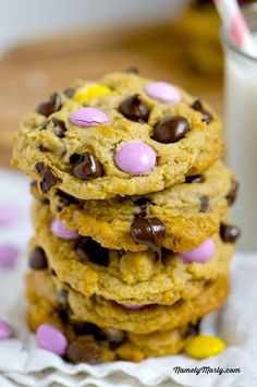 Peanut Butter Chocolate Chip Cookies with dark chocolate candy pieces | namelymarly.com  #vegan