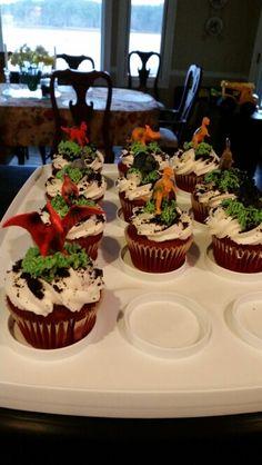 Dinosaur cupcakes Dinosaur Cupcakes, Dinosaur Birthday Cakes, Dinosaur Party, 4th Birthday Parties, Boy Birthday, Birthday Ideas, Birthday Design, Jurassic Park Party, Cute Snacks