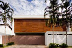 Casas com fachadas sem janelas, ou fachadas cegas