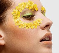 Daffodil Makeup