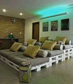 Love this DIY theatre room