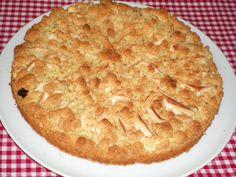 apple crumble with vanille cream Apfelstreusel mit Vanillecreme Pie, Baking, Desserts, Food, Vanilla Cream, Torte, Tailgate Desserts, Cake, Deserts