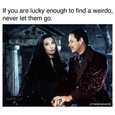 Thirty-Two Memes & Pics For Anyone Obsessed With Halloween - Funny Moments Goth Humor, Goth Memes, Memes Humor, Spooky Memes, Halloween Quotes, Spooky Halloween, Funny Halloween Memes, Nightmare Before Christmas, Family Feud Funny Answers